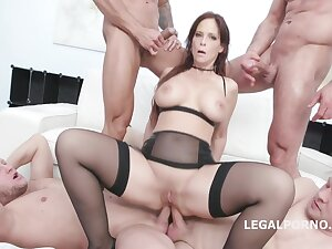 Syren De Mer is sucking cocks and getting greatest degree the way she likes the most