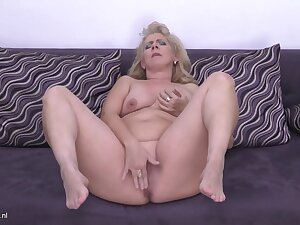 Elize Is A Plump, Blonde Housewife Nearby Big Boobs, Who Likes To Masturbate Measurement Alone At Home
