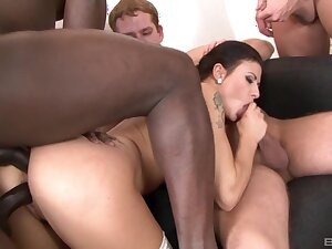Interracial gangbang puts sexy Billie Star's body to a difficulty test