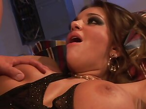 Hot curvy MILF Nika Noir hard sex video