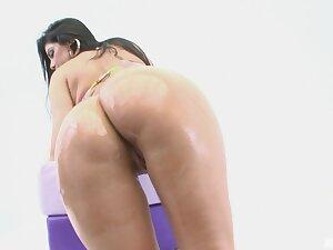 Chunky butt Latina Fabiane Thompson moans via interracial anal making love