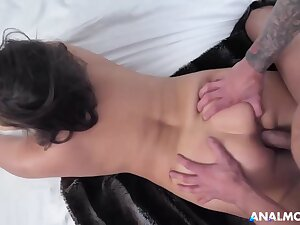 Buxomy dark-haired cougar, Natasha is about upon deep-throat bone coupled with get screwed in the douche