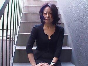 Amateur Japanese mature Junko Sakashita moans during bonking