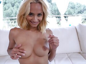 Nice tits blondie Veronica Leal teases and gives a blowjob