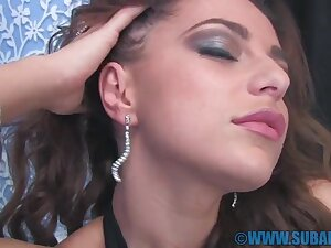 Deceitful babe Kyra Mendez spreads her legs to masturbate on the settee