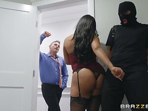 Horny robber is staggered off out of one's mind slutty wife who gonna work on his strong cock